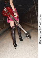 gå, guitar., kvinde