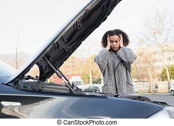 gép, nő, átvizsgálás, autó, után, törött, reménytelen