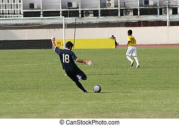 gól, megrúg