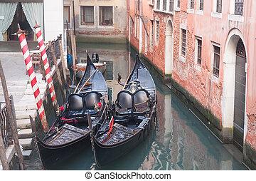 góndola, venecia, muelle, dos