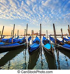 góndolas, venecia, laguna