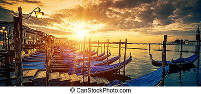 góndolas, venecia, vista, salida del sol, panorámico