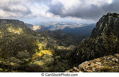góra, dzień, pochmurny, prospekt