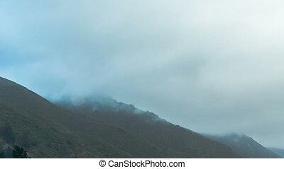 góra, mgła, czas-upływ