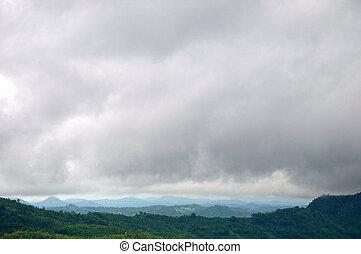 góra, na, deszcz chmura