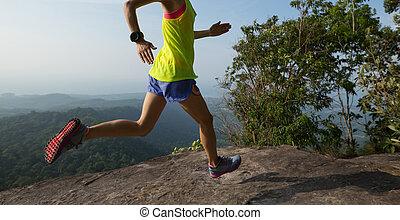 góra, wyścigi, kobieta, młody, daszek
