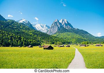 górska panorama, przed, błękitne niebo, (garmisch, -, partenkirchen)