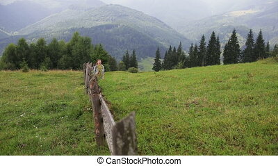 góry, kobieta hiking, ścieżka