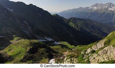 góry, malowniczy, słoneczny, wysoki, zielony, dolina, dzień