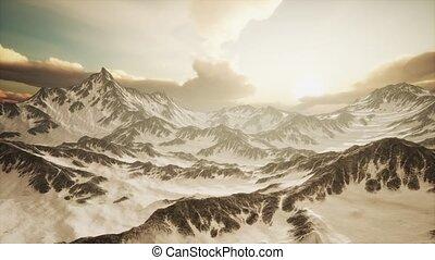 góry, promienie, zachód słońca, szczyty