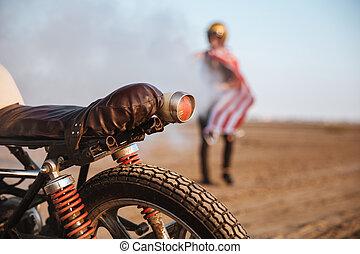 gördít, elzáródik, jelzőfények, motorkerékpár