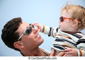 gafas de sol, cielo, padre, contra, plano de fondo, niño