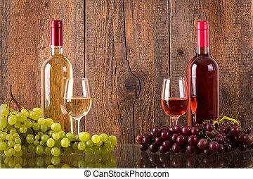 gafas vino, con, botellas, y, uvas