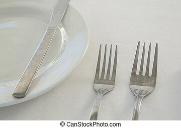 gaffel, tallrik, smör kniv