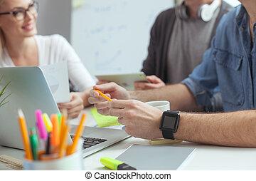 gai, équipe, créatif, bureau, communiquer