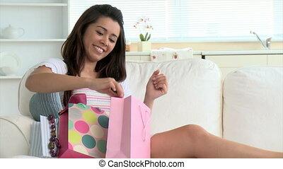gai, achats femme, asiatique