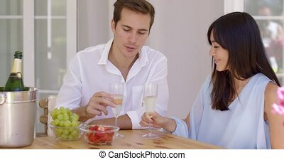 gai, couple, grillage, champagne