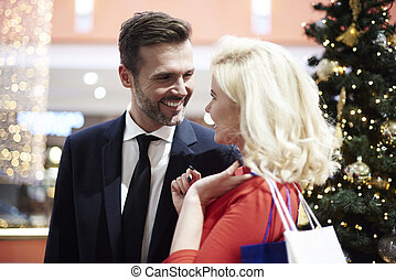 gai, couple, sur, centre commercial