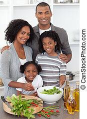 gai, dîner, famille, ensemble
