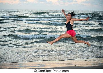 gai, femme, plage, saut, courant