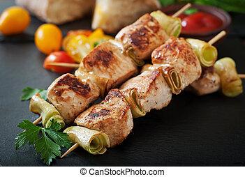 galinha, shish kebab, com, abobrinha