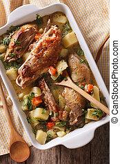 galinha, stewed, com, legumes, closeup., vertical, vista superior