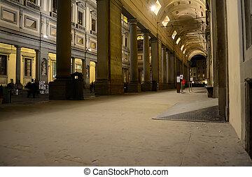 Galleria degli Uffizi by night, Florence