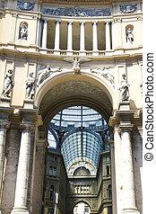 Gallery Umberto I, Naples