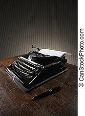 gamle, skrivemaskine, på, en, træagtigt skrivebord