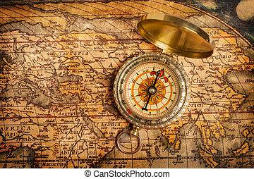 gammal, årgång, gyllene, kompass, på, forntida, karta