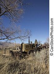 gammal, övergiven, traktor