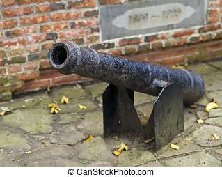 gammal, artilleri