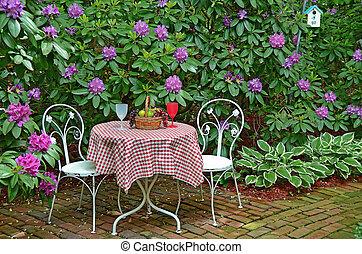 gammal, bord, och, stol, in, azaleor