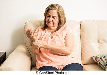 gammal, farmor, kontroll, henne, blodtryck
