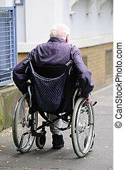 gammal, handikappat, man, användande, a, mekaniker, rullstol