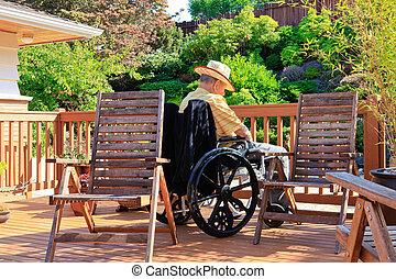 gammal man, är, sova, in, handikapp, stol, på, den,...