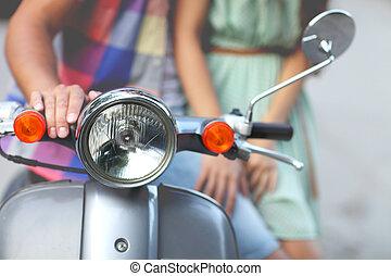 gammal, par, ung,  retro, sparkcykel, lycklig