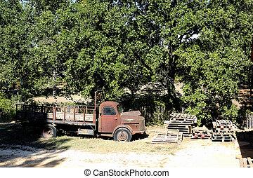 gammal, rostig, lastbil, övergiven