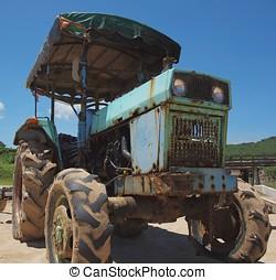 gammal, rostig, traktor
