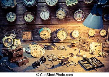 gammal, watchmaker's, verkstad, med, många, clocks