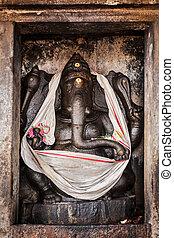 Ganesh statue in Hindu temple. Brihadishwarar Temple, Thanjavur,