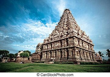 Gangaikondacholapuram - an ancient hindu temple in southern...