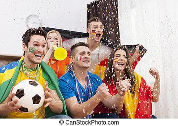 ganhar, celebrando, ventiladores, futebol, excitado, partida