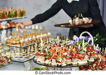 garçom, servindo, catering, tabela