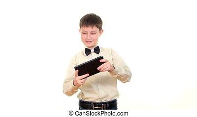 garçon, école, intelligent, tablette, informatique, fond, utilisation, blanc, intelligent, jouer