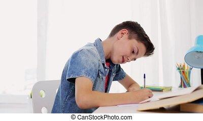 garçon, écriture, cahier, maison, livre, heureux