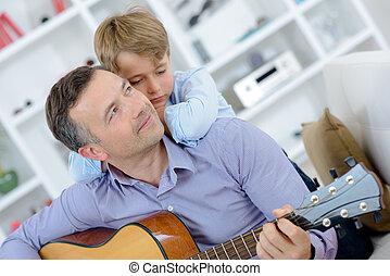 garçon, épaules, sien, guitare, penchant, jouer, homme