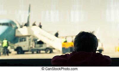 garçon, aéroport, peu