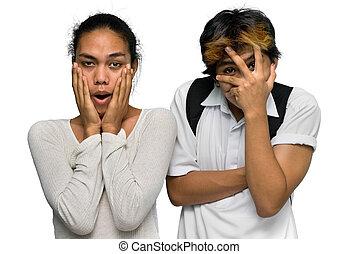 garçon adolescent, emo, choqué, couples asiatiques
