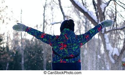 garçon adolescent, hiver, neige, forêt, jets
